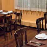 a table - 2017.4 2階のテーブル席