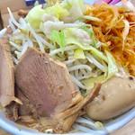 宮二郎 - ど豚骨ラーメン(全部入り)+大盛り+辛ネギ【料理】