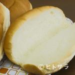 福田パン - パンは秘伝の製法で、自社工場で毎日焼き上げています