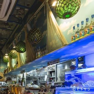 沖縄の泡盛や古酒が充実。熟成された酒を心ゆくまで楽しめます