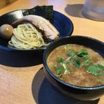 つけ麺 雀 - 料理写真:特製つけ麺♪~ヽ( ´θ.`)ノ¥1080円
