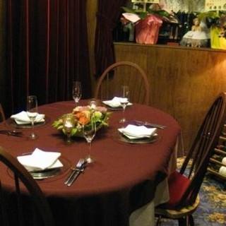 落ち着いた個室のお席で特別なお食事時間をお過ごしください。