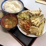 おばちゃん八百屋 - 野菜てんぷら定食:500円