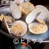 Tokai小町 - 料理写真:余分な味付けなどなく、出汁でいただく『天然蛤の陶板焼』