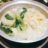 相撲茶屋 熊翁 - 料理写真:ちゃんこ鍋(塩味)半人前。半人前で2人分。2人で食べても多かったですよ。つくねがとっても美味しかったです。