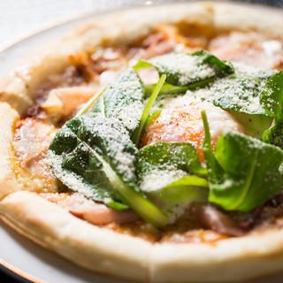 イタリア産生ハムのピッツァ!