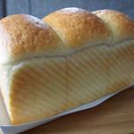 俺のBakery&Cafe - 山型の食パン