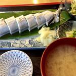 秋刀魚 - さんま寿司900円