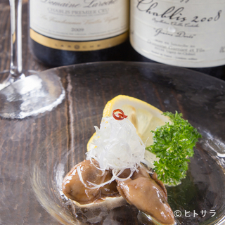 グラスワインをはじめ、牡蠣料理によく合うお酒も種類豊富