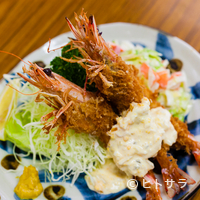 とんかつ八千代 - 新鮮な活海老を使う看板料理『車海老フライ定食』