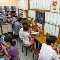 とんかつ八千代 - 働く人々に愛された昔ながらの食堂の雰囲気