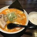 VORACE早川 - 野菜たっぷり辛味噌ラーメンとライス