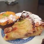 フランス焼菓子 シャンドゥリエ - ショコラ・オ・ポワール 650円 お皿は和風、この組み合わせも素敵!