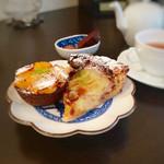 フランス焼菓子 シャンドゥリエ - 欲張って2種盛り! この為にお昼抜いてますから!! でも、胃もたれしないんですよ♡