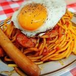 スパゲッティーのパンチョ - ナポリタン目玉焼き     ¥740、 ソーセージ     ¥100
