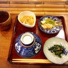 囲炉裏料理わ - 料理写真:おばんざい三種と番茶