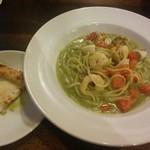ナポリの食卓 パスタとピッツァ - 料理写真: