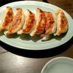 豚骨らーめんKAEDAMA - 餃子¥300