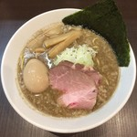 麺屋りゅう - 背脂煮干しそば(鯵・烏賊煮干しMIX) + 味玉