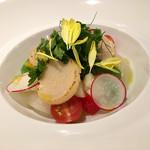 65485029 - ホタテ貝のポワレ 野菜のマリネ