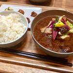 佐野みそ - 具沢山味噌汁@650円+ご飯と3種のおかず味噌@350円   いやぁ全てがよく出来てて美味い!こりゃいいぞ!