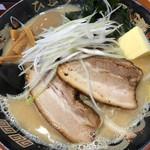 北海道らぁ麺 ひむろ - 札幌味噌ラーメン、バター、コーントッピング