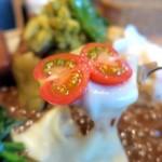 カレーやさん LITTLE SHOP - チーズ&トメイトウ