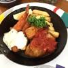 アサヒビアケラー - 料理写真:スパイシーチキン&エビフライランチ(税別900円)