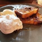 BROWN CAFE/BAR - ブラウンのフレンチトースト