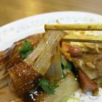 天天楽 - シート状の独特な麺