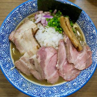 煮干しつけ麺 宮元 - 料理写真:「チャーシュー極上濃厚煮干しそば」(980円)
