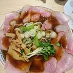 サバ6製麺所 - サバ醤油そば肉増し