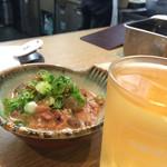 酒の奥田 - 名物どて焼きと白ワイン260