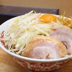 ラーメン 登良治郎 - 小ラーメン700円+汁なし70円