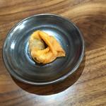 宮島ラーメン安芸侍 - サービスの揚げ牡蠣ワンタン