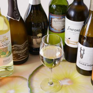 ワインリストも豊富に取り揃えております!