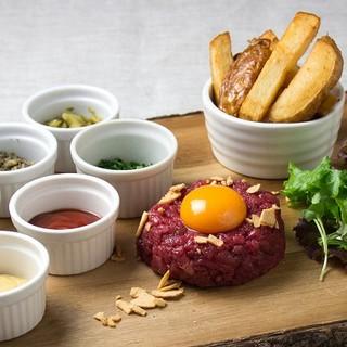 パリ本店と同じ味!『馬肉のタルタルステーキ』