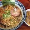 味丸 - 料理写真:ランチAセット¥980。 味丸ラーメンと半チャーハン。