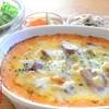 HAPPY cafe 食堂 - 料理写真:豆乳ホワイトソースを使ったドリア。お惣菜とサラダ付き