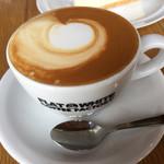 フラットホワイトコーヒーファクトリー - フラットホワイト