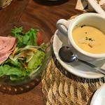 レストランITOSHIMA - ランチセットのサラダ、スープ