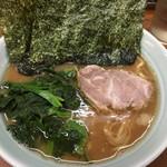 武蔵家 - 料理写真:らーめん(並)600円