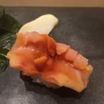 不動前 すし 岩澤 - 料理写真:イナバウアーのような反り