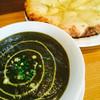 シバ - 料理写真:チーズナンセットをほうれん草チキンカレーで