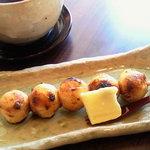 古都香 - バター醤油のおだんご(店内限定)