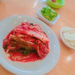 コリアンダイニング・パダ - サムギョプサルのキムチ