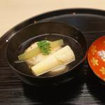 もめん - 料理写真:筍と湯葉真丈のお椀