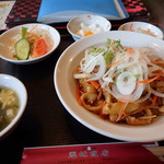 運城飯店 - 焼き刀削麺