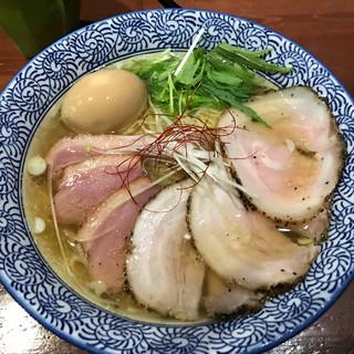 麺や 而今 - 料理写真:塩らーめん(塩鶏湯そば)+煮玉子+ミックスチャーシュー(バラ・鴨2枚ずつ)