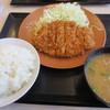 かつや - 料理写真:ロースカツ定食(120g)とん汁付き
